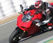 2018 Ducati Panigale V4 İlk Sürüş izlenimleri: