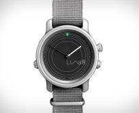 Güneş Enerjisi ile Şarj Olabilen Akıllı Saat LunaR Smartwatch