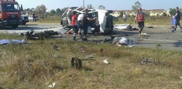 Sakarya'nın Kocaali ilçesinde korkunç kaza: 7 ölü